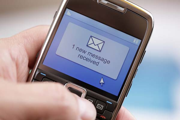 SMS and Contacts Are the Most Important in the Smart Phone