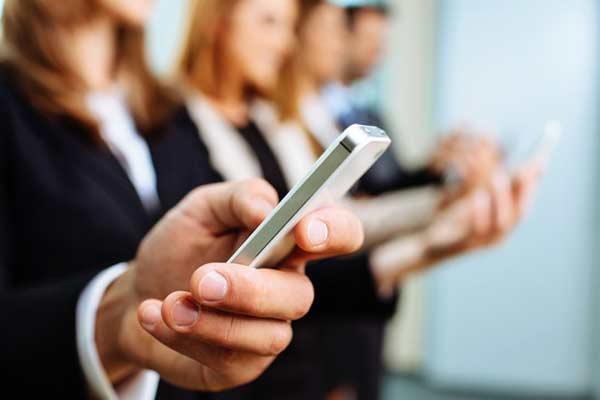 Infographic Ideas infographic messaging apps : Apps Vs. SMS Redux: Text Messaging Still Kicks Butt (InfoGraphic!)